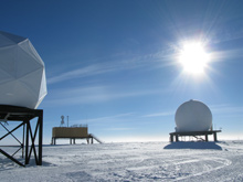 Ground station on the left, South Pole MARISAT-GOES Terminal/RF Building complex in the background.